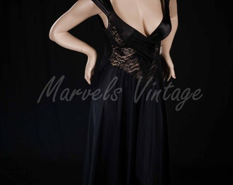 Vintage Olga Nightgown Rare Style 92050 Beautiful Black Twist Top Lace Lingerie Size Small