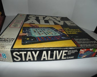 VINTAGE Toy Game 1971 MILTON BRADLEY Stay Alive Survival Marble Game Complete