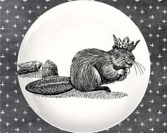 beaver crowned melamine plate