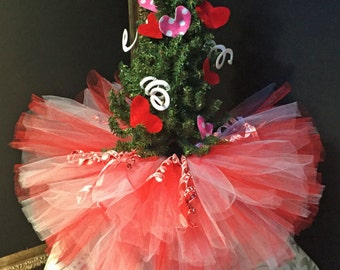 Valentine's Day Tree Skirt