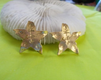 Stunning Vintage Clip Ons-Pretty Goldtoned Stars-C2492
