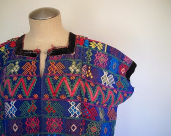 60s sea blue embroidered boxy tunic with velvet detailing
