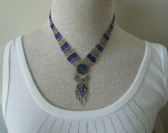 Vintage Blue Stone Necklace.  Silver Tone Strands with Blue Features, Beautiful Design