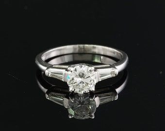 A stunning Art Deco 1.05 Ct diamond engagement ring