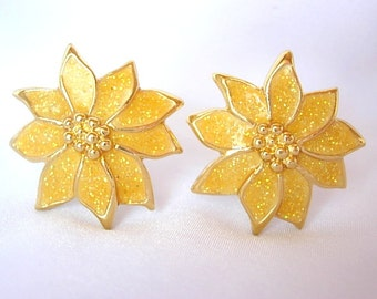 Vintage Yellow Poinsettia Flower Clip On Earrings Glitter Enamel on Gold Tone Metal Holiday Christmas Gift Small 1980's Excellent Condition