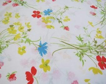 Vintage Sheet Fabric Fat Quarter - Primary Color Floral - 1 FQ
