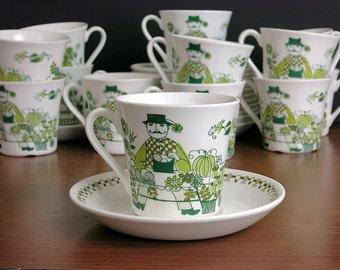 Vintage Figgjo Flint Market Teacups & Saucers - Turi Gramstad Oliver Scandinavian Design - Turi-Design Tea Cups and Saucers - 6 Available