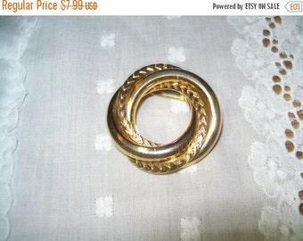 50% OFF Vintage brooch, Goldtone circle pin brooch, circle brooch