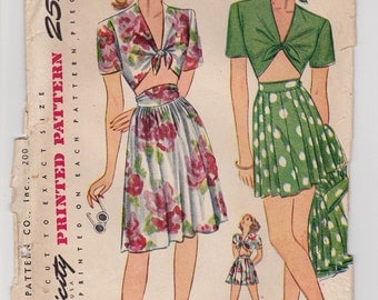 40s Cute Playsuit with Midriff Top, Shorts & Skirt Vintage Sewing Pattern - Simplicity 1020 - Size 16, Bust 34