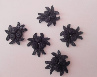 5 lace flowers black with 2.7 cms