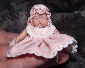Miniature baby girl,dollhouses,scale 1/12