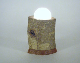 Small Oak Branch Accent Lamp