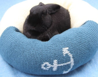 Hey Sailor! Plump Ugli Donut bed for medium size rabbits
