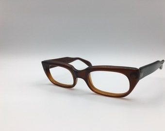 Marvelous Capri-Milano brown cateye eyeglasses frames with Metal details at temple vintage 1960's made in Italy spring loaded hinges