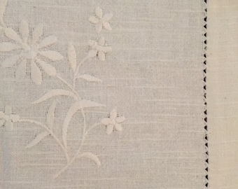 Vintage linen tablecloth - stunning in its simplicity