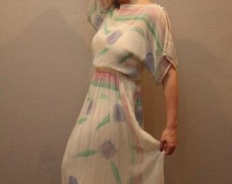 Vintage Women's White Long Floral Flowy Dress/ Retro Beach Wedding Dress/ Size Medium