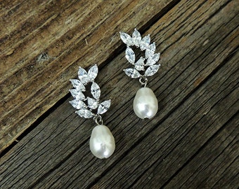 Bridal Earrings - CZ Swarovski Round Pearl Earrings  Bridesmaids -Ivory Pearl Bridal Earrings - Helmi