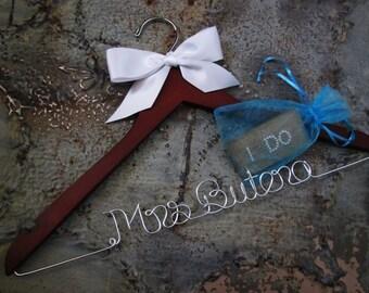 Wedding Dress Hanger, Bride Hanger, Last Name Hanger, Mrs Hanger, Wedding Hanger, Personalized Hanger, Bridesmaid Bride Gift