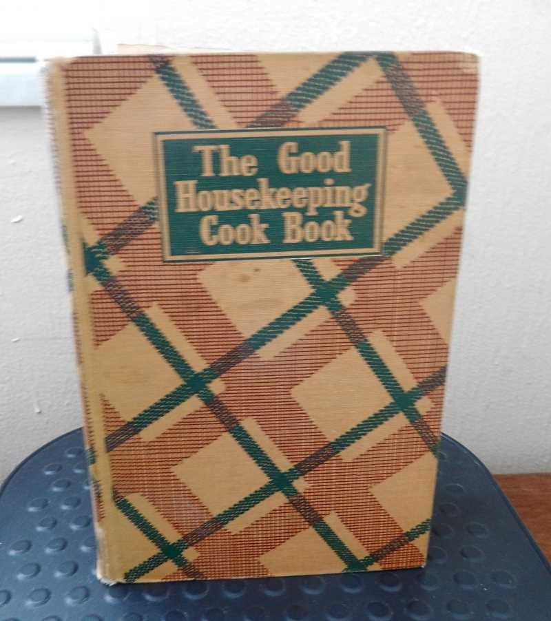 Good Housekeeping: The Good Housekeeping Cook Book 1942 Plaid Cover Retro Recipes