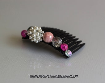 Victorian Status beaded hair comb / accessory / handmade / etsy / pink / classic / pearl / wire wrapped / gifts for women / female artist