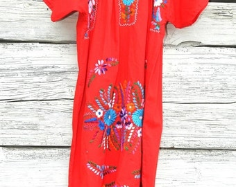 Mexican embroidered clothing, Mexican dress, Hippie dress, Peasant dress, Vintage dress, Oaxacan dress, Mexican clothes, Embroidered  dress