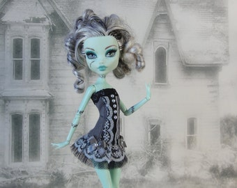 Romantic burlesque grey and black corset hand made fits Monster High doll
