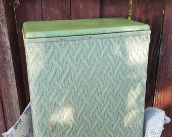 Sale vintage Vogue Inc. green rattan wicker wood wooden laundry basket hamper large picnic magazine towel blanket basket cottage country