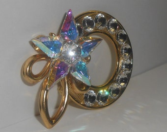 Vintage Gold Tone Aurora Borealis (AB) Rhinestone / Clear Rhinestone Open Circle Wreath Style Brooch with Star and Tied Bow