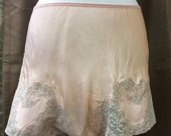 Vintage 1940's Peach Pink Tap Shorts Good Condition