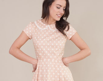 Spotty dress with lace collar