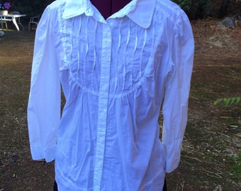 Old-fashioned looking blouse