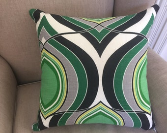 HGTV Groove Move Malachite Fabric Cushion Cover/Pillow with a French Linen Backing