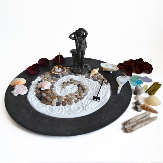 Zen Garden // Aphrodite Venus Statue// Meditation // Greek Mythology // Wicca Altar // Pagan Altar // Occult Art // Seashells // Goddess