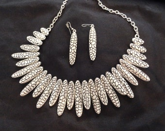 Turkish Delight Necklace and Earrings