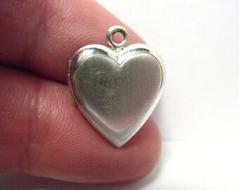 Vintage Sterling Silver Locket Heart No Design 13 mm 1.5 grams