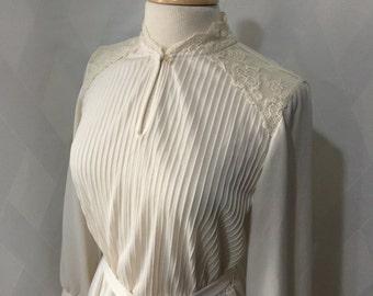 Vintage 1970s Ivory JC Penny's Keyhole Neckline Pintuck Bodice Dress Size 15/16
