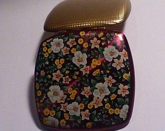 Vintage Melissa compact mid-century powder compacts crimson enamel