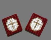 Framed Cross Magnet,Plastic Canvas, Easter Magnet, Cross Magnet, Fridge Magnet, Magnet Sets, Sets Of Two, Needlepoint Magnet