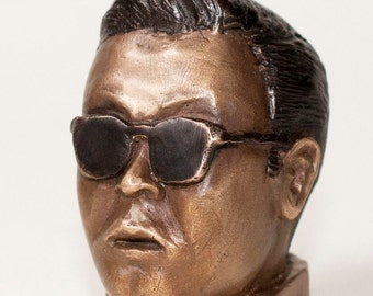 The King of Youtube, a bronze tribute to Psy
