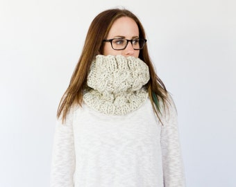READY to SHIP // the OTTAWA // cabled chunky knit cowl