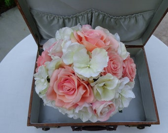 Bridal bouquet in coral and blush