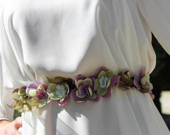 Belt - Crown of flowers in shades of purple and green