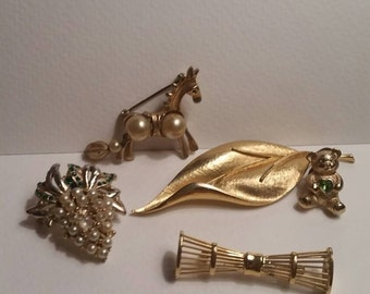 Brooch Collection III / gold tone / Horse / Leaf / Avon Bear with Peridot / Grapes