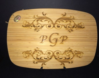 Monogramed Eco Friendly Bamboo Cutting Board Perfect Gift for Wedding, Anniversary, Birthday, Mothers Day or any Special Occasion