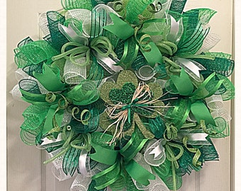 St Patrick's Day Shamrock Deco Mesh Wreath/ Saint Patrick's Day Wreath/ Green Wreath/Shamrock Wreath/Spring Wreath