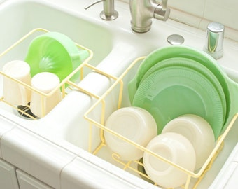 Vintage Divided Sink Dish Drying Rack, Sunny Yellow Wire Dish Rack with Mug Hooks Cabinet Organizer