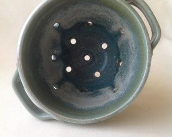 Berry bowl/ colander