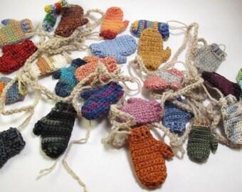 Funky mitten advent garland (custom) / 24 mini mitten garland / Christmas banner garland/ Christmas Garland