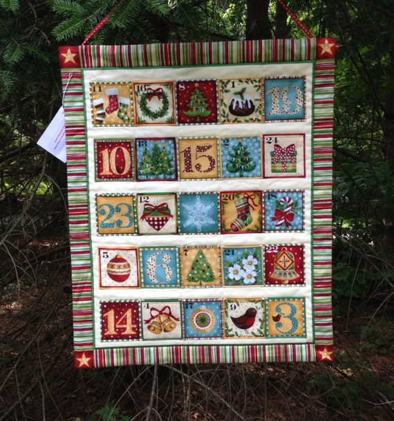Quilted advent calendar wallhanging christmas by fabriarts for Handmade christmas countdown calendar