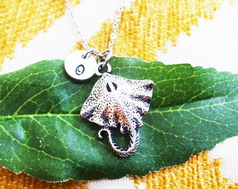 STING RAY NECKLACE  in silver tone - manta ray - sea ray - personalized with initial charm